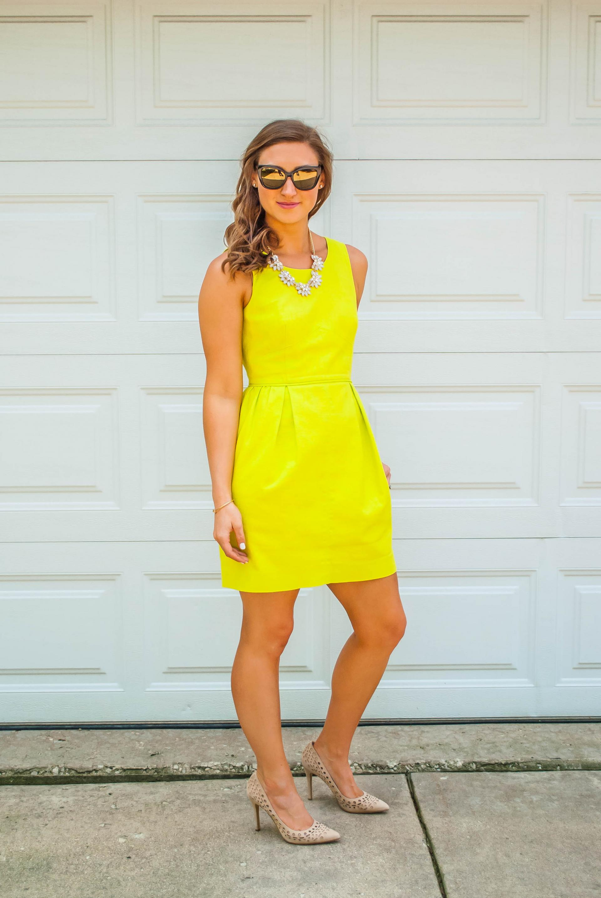 Jeellery ith yellow dress in fashion